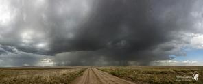 Un temporale serale si scatena sulla pianura del Serengeti